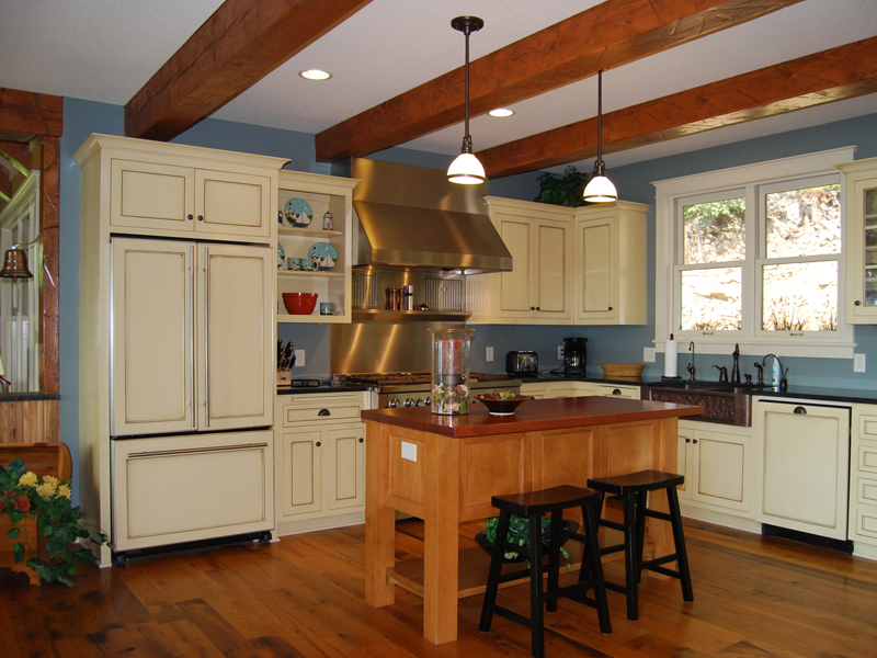 Traditional House Plan Kitchen Photo 072D-1127