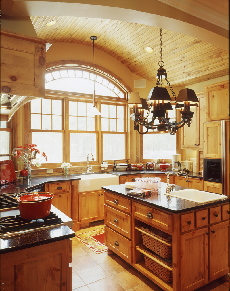 Traditional House Plan Kitchen Photo 04 072S-0001