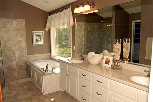 European House Plan Bathroom Photo 01 072S-0002