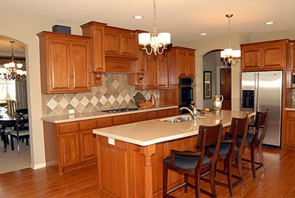 Luxury House Plan Kitchen Photo 02 072S-0002