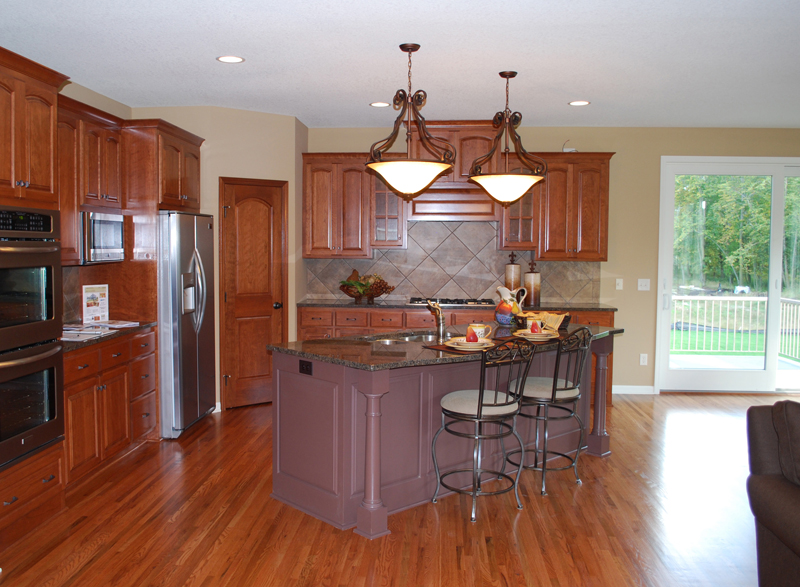 Traditional House Plan Kitchen Photo 01 072S-0005
