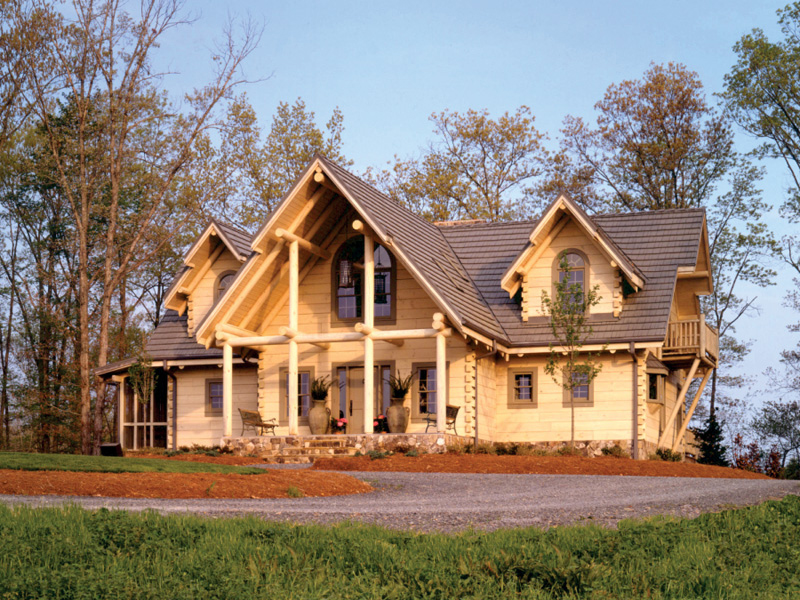 Tantalizing Log Home With Decorative Wood Design