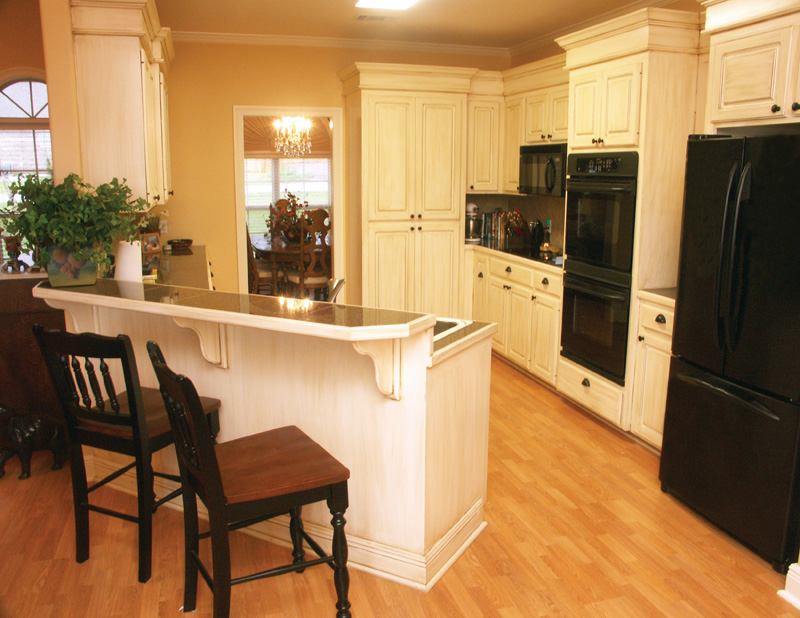 Traditional House Plan Kitchen Photo 02 - 077D-0002 | House Plans and More