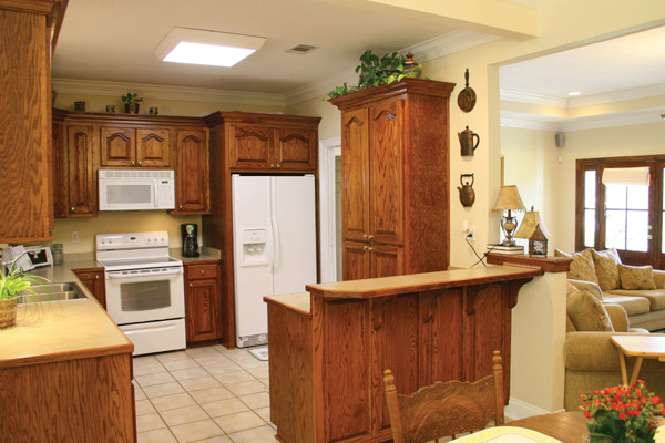 Traditional House Plan Kitchen Photo 07 - 077D-0025 | House Plans and More