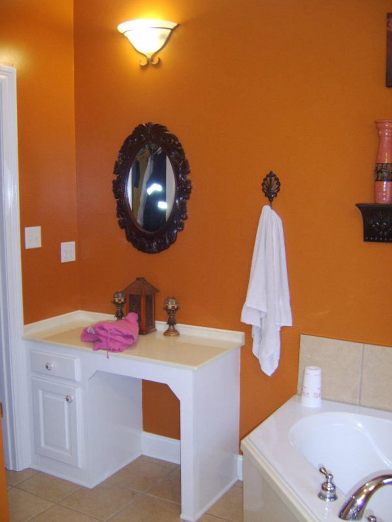 Ranch House Plan Bathroom Photo 01 077D-0037