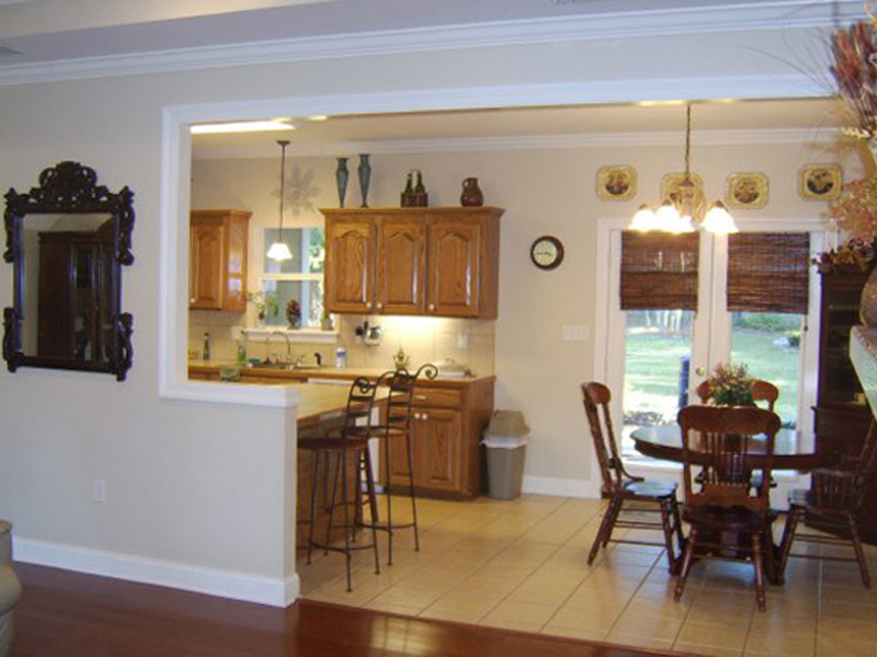 Traditional House Plan Dining Room Photo 01 077D-0037