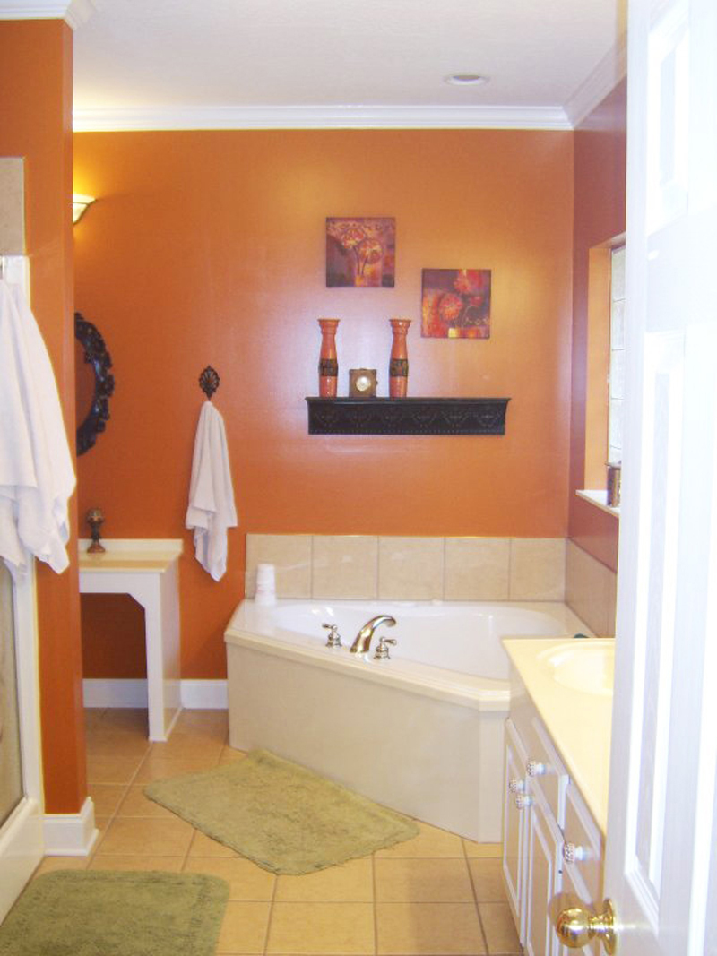 Traditional House Plan Master Bathroom Photo 01 077D-0037