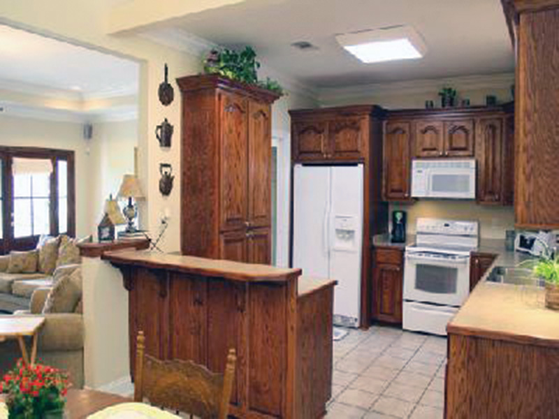 Traditional House Plan Kitchen Photo 02 - 077D-0052 | House Plans and More