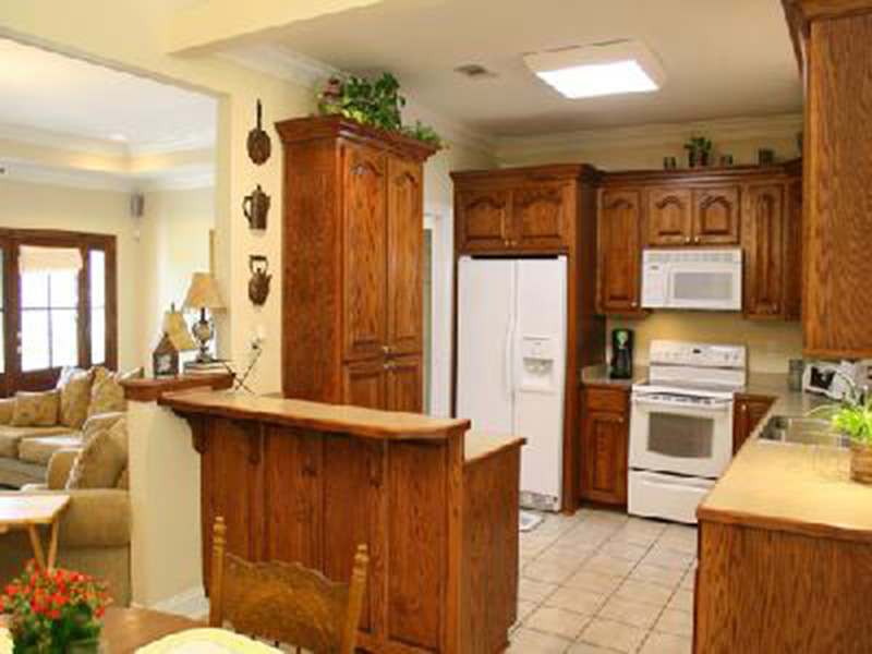 Traditional House Plan Kitchen Photo 04 - 077D-0052 | House Plans and More
