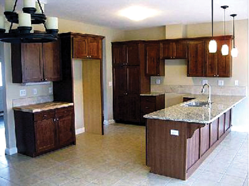Ranch House Plan Kitchen Photo 01 - 077D-0057 | House Plans and More