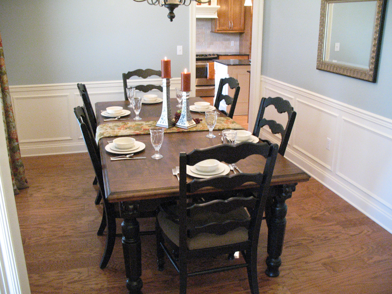 Traditional House Plan Dining Room Photo 02 077D-0097
