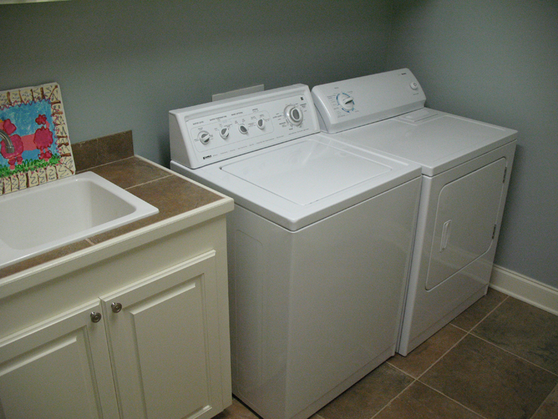Country House Plan Laundry Room Photo 077D-0097