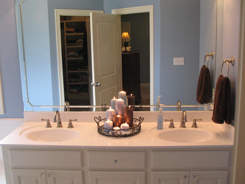 Traditional House Plan Master Bathroom Photo 02 077D-0097