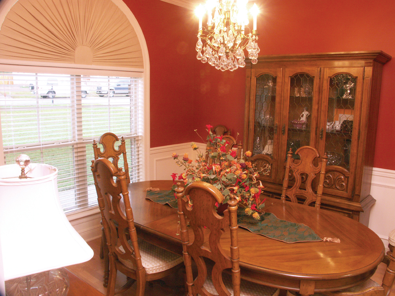 Traditional House Plan Dining Room Photo 01 077D-0126
