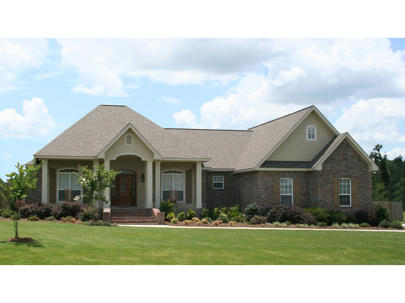 Ranch House Plan Front of Home 077D-0159