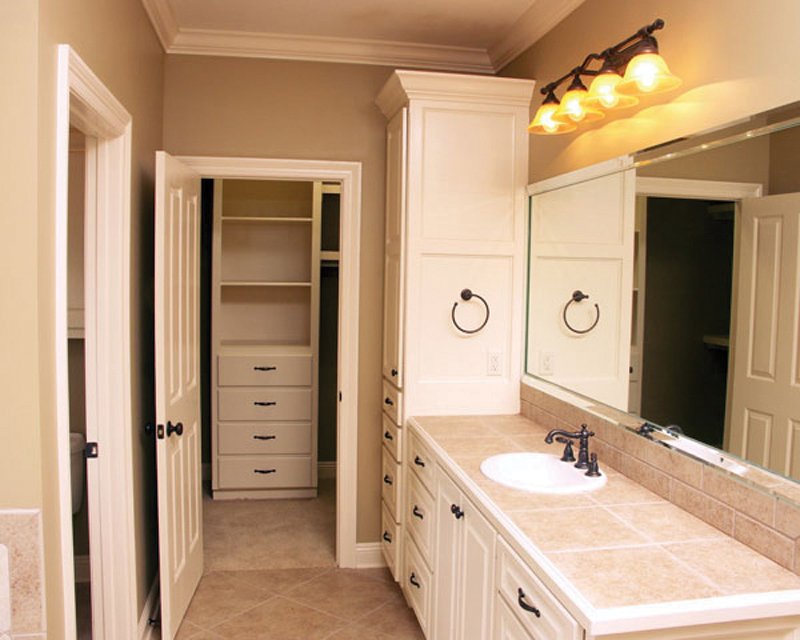 European House Plan Master Bathroom Photo 01 077D-0159