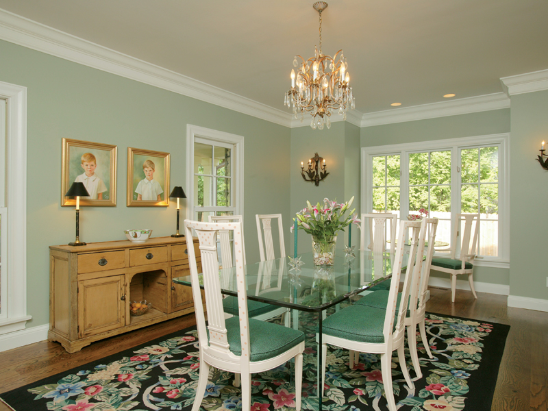 Luxury House Plan Dining Room Photo 01 079D-0001