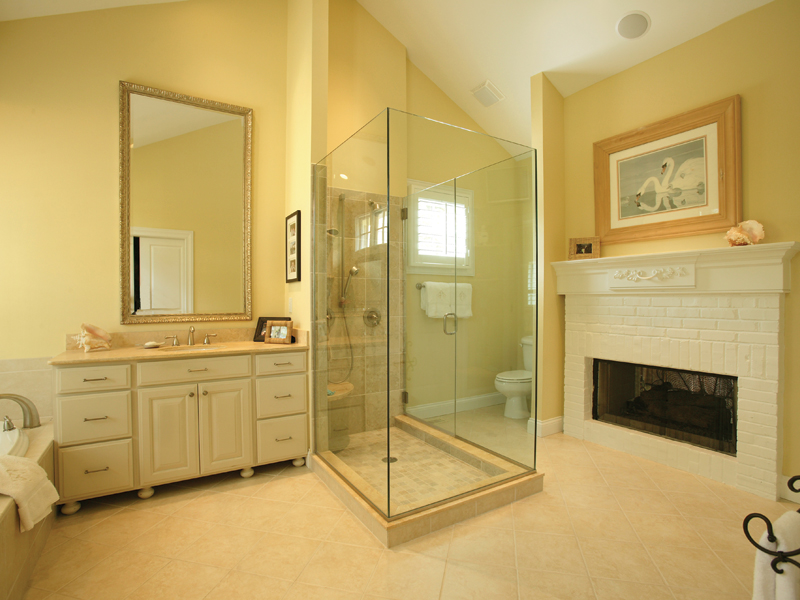 Southern House Plan Master Bathroom Photo 01 079D-0001