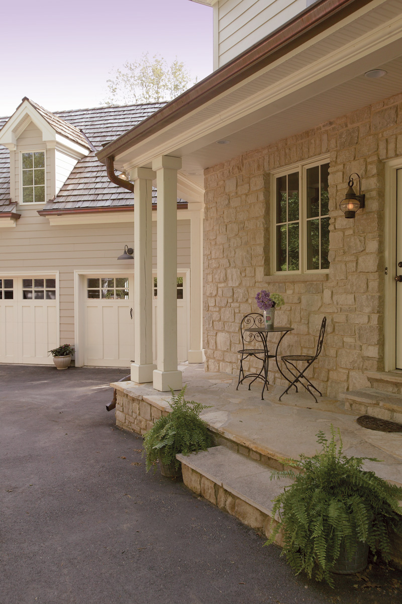Traditional House Plan Side Entry Photo 01 079D-0001