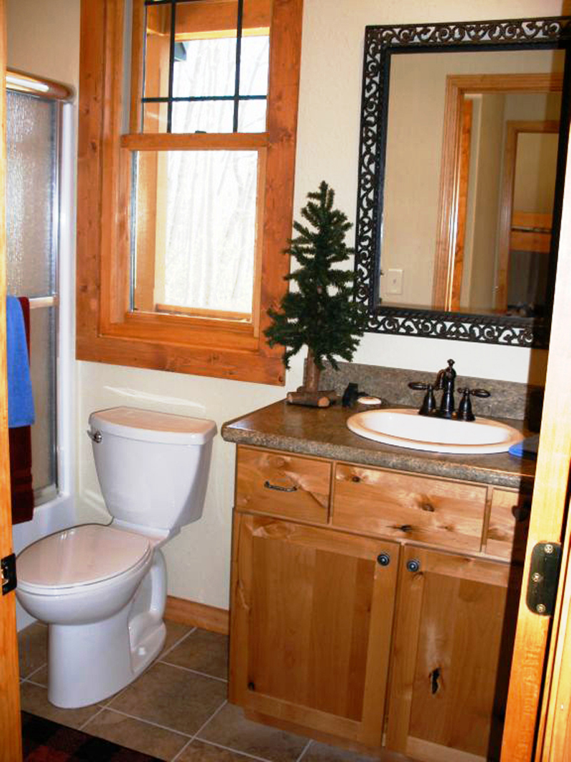 Cabin and Cottage Plan Bathroom Photo 01 - 080D-0004 | House Plans and More