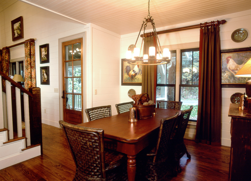 Rustic Home Plan Dining Room Photo 01 082D-0065