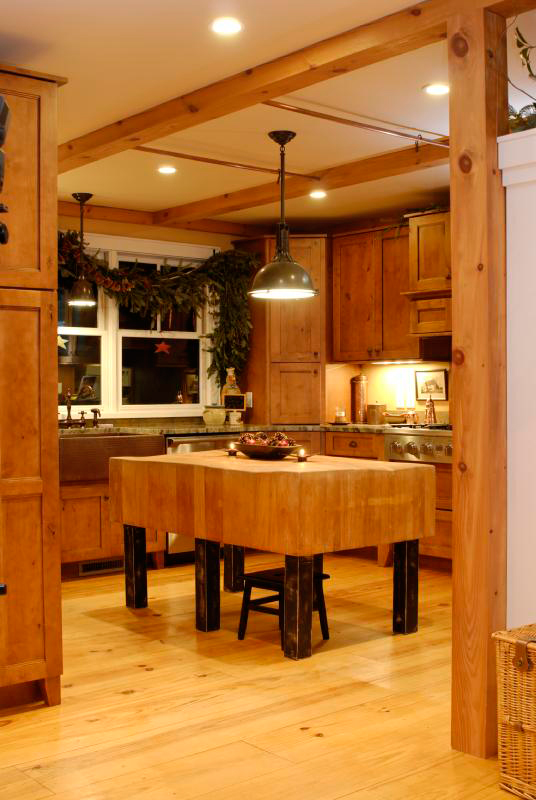 Rustic Home Plan Kitchen Photo 01 082D-0066