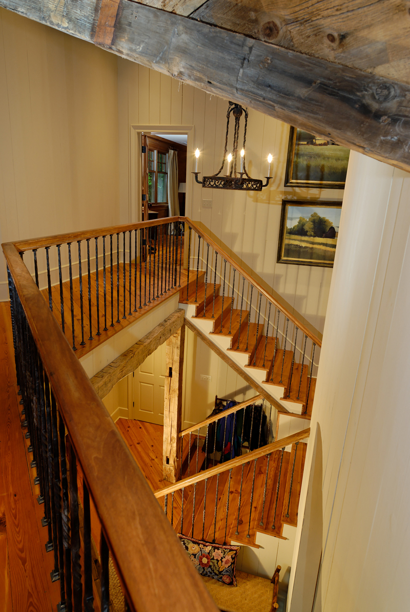 Rustic Home Plan Stairs Photo 082S-0002