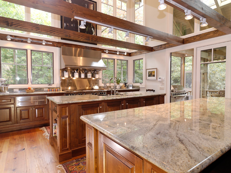 Mountain Home Plan Kitchen Photo 01 082S-0004