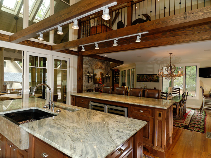 Mountain Home Plan Kitchen Photo 03 082S-0004