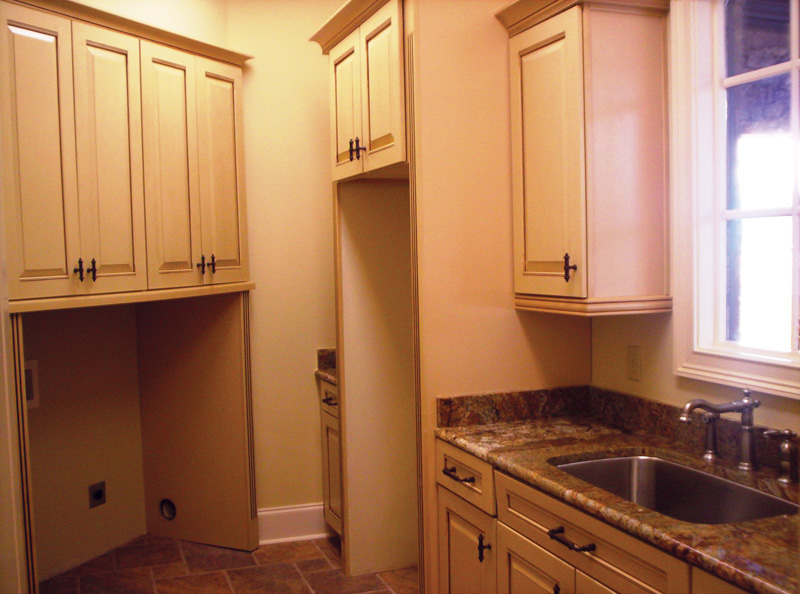 Traditional House Plan Laundry Room 01 087S-0116
