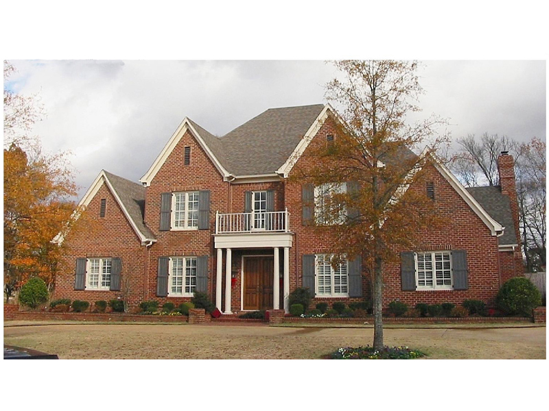 Brick Traditional Luxury House With Great Symmetry
