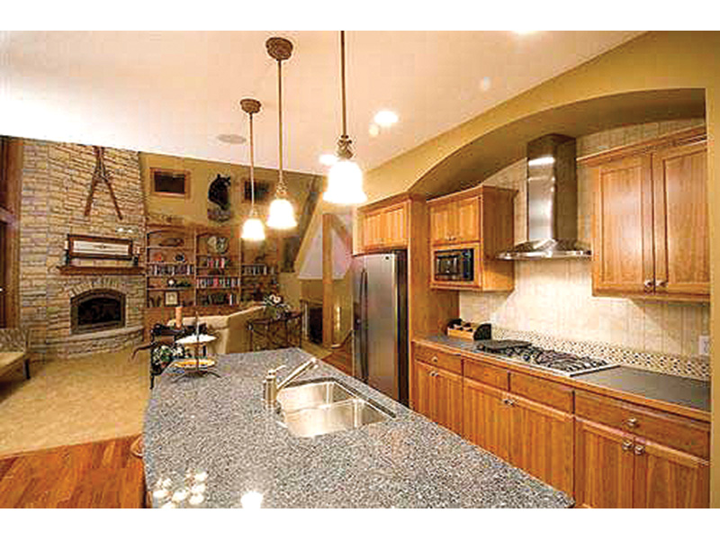 Traditional House Plan Kitchen Photo 01 - 091D-0023 | House Plans and More