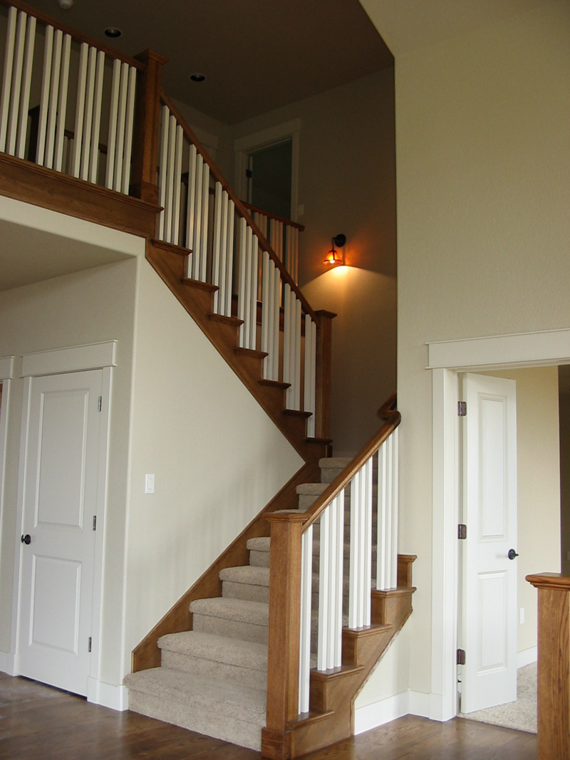 Arts and Crafts House Plan Stairs Photo 101D-0020