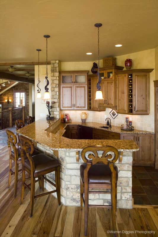 Mountain Home Plan Bar Photo 101S-0003