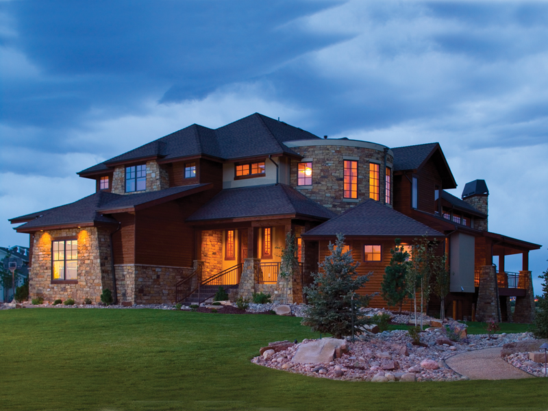 Plush Mountaintop Home
