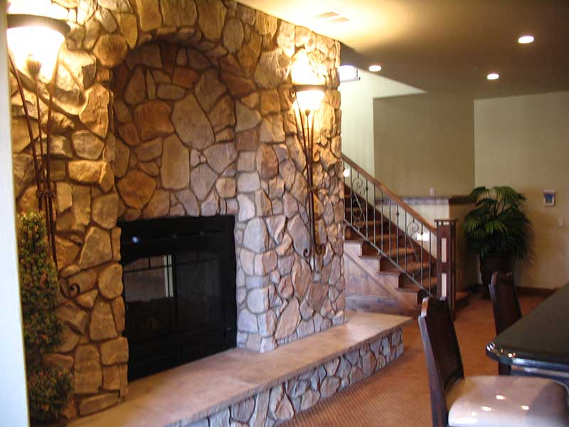 Mountain Home Plan Fireplace Photo 02 101S-0005