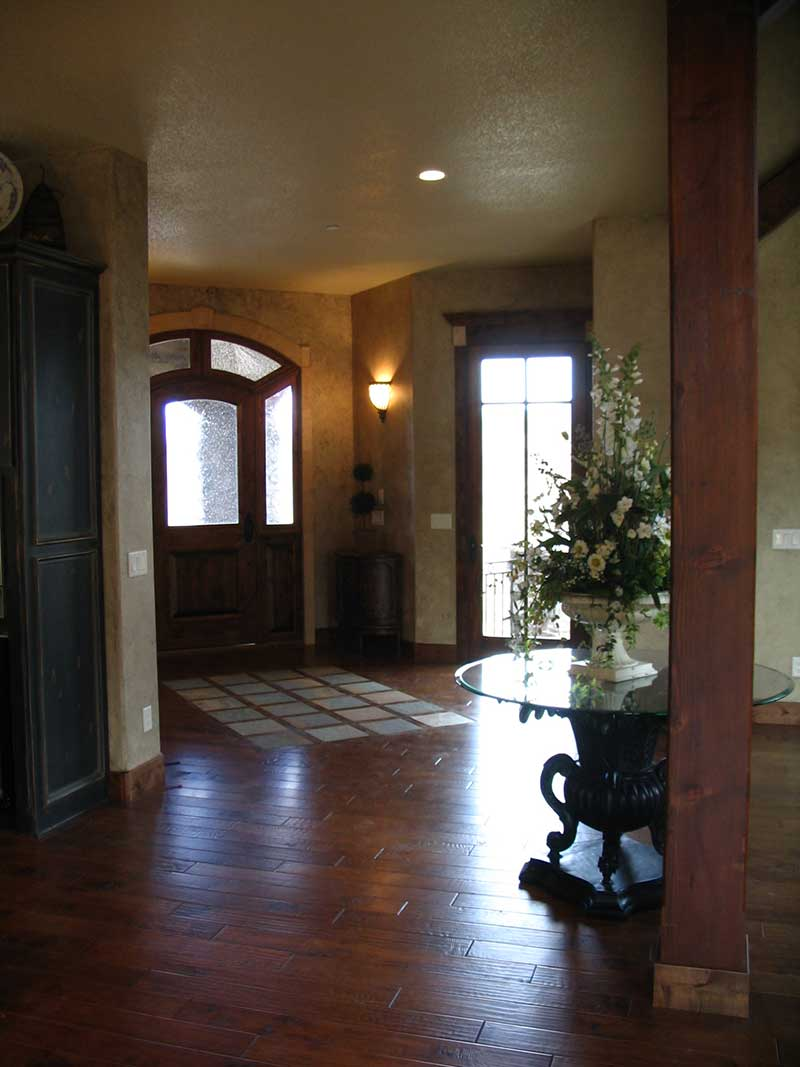 Mountain Home Plan Foyer Photo 101S-0005