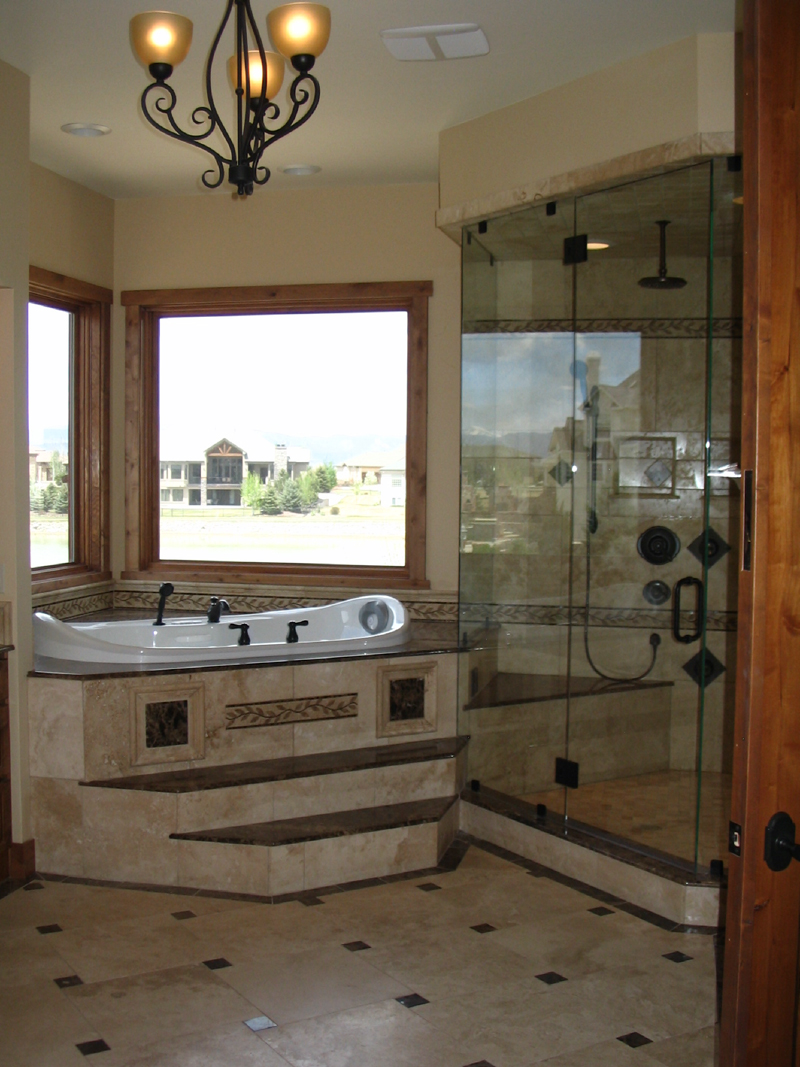 Mountain Home Plan Bathroom Photo 01 - 101S-0011 | House Plans and More