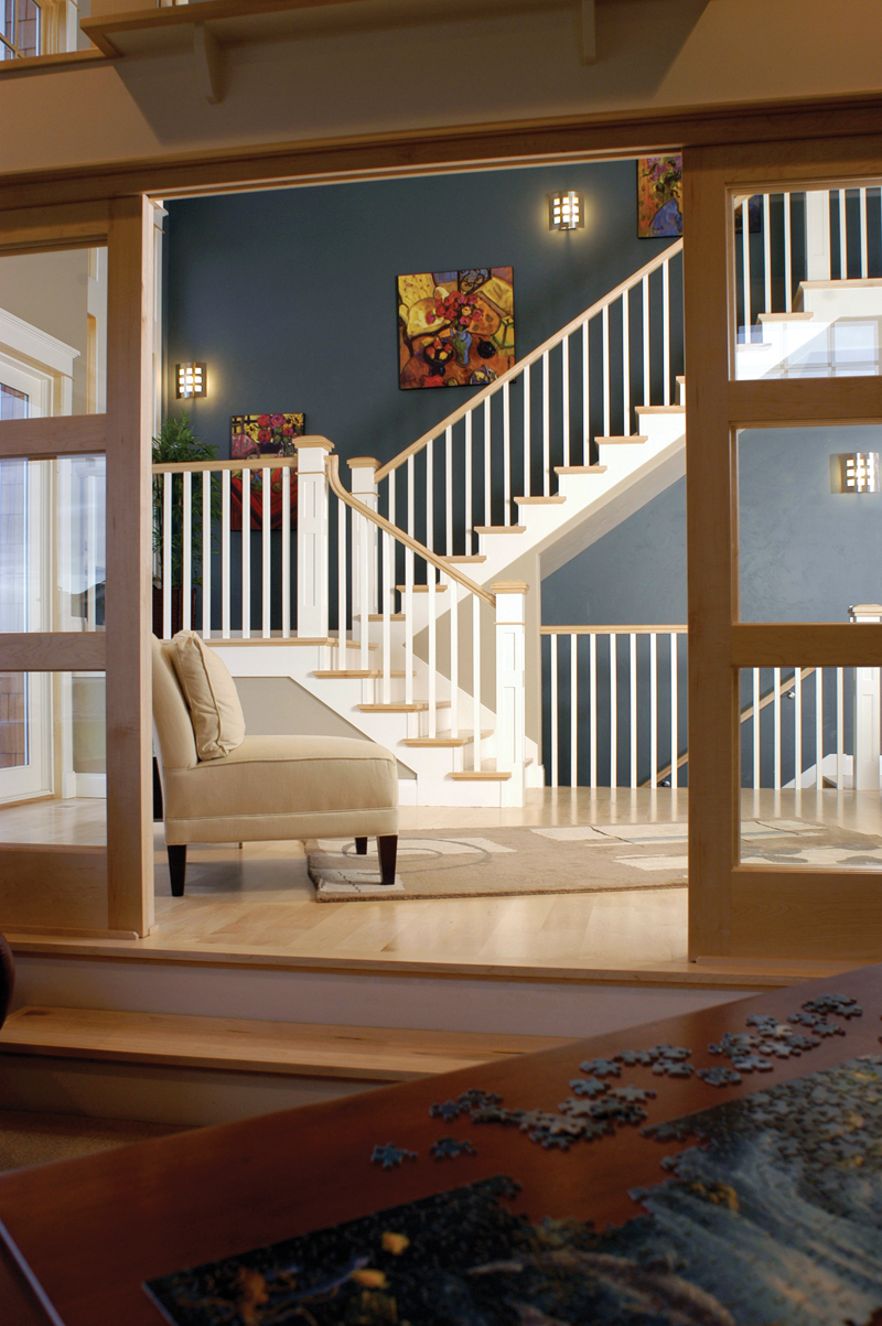Luxury House Plan Stairs Photo 101S-0019