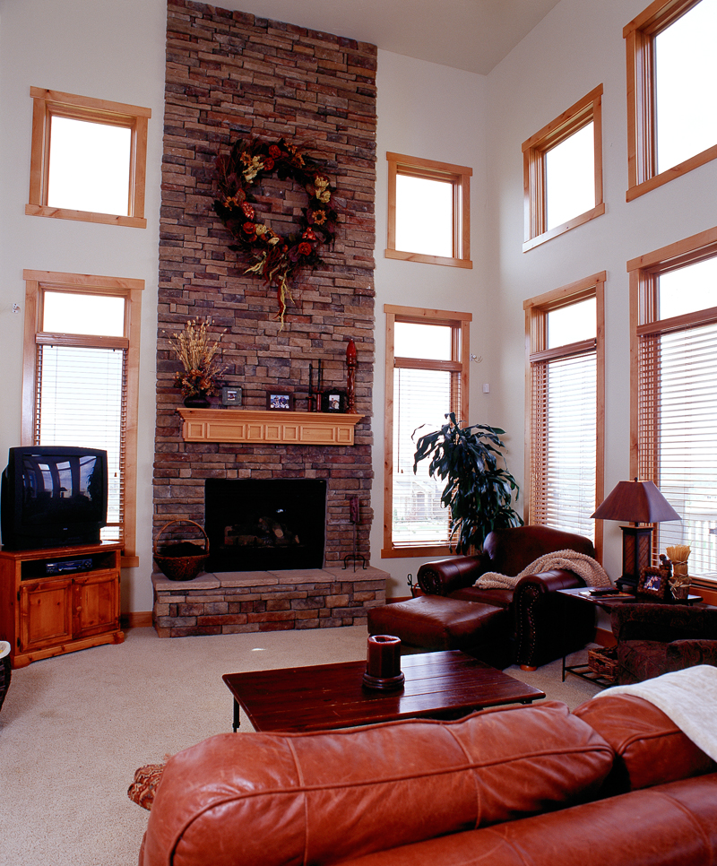 Mountain Home Plan Family Room Photo 01 101S-0020