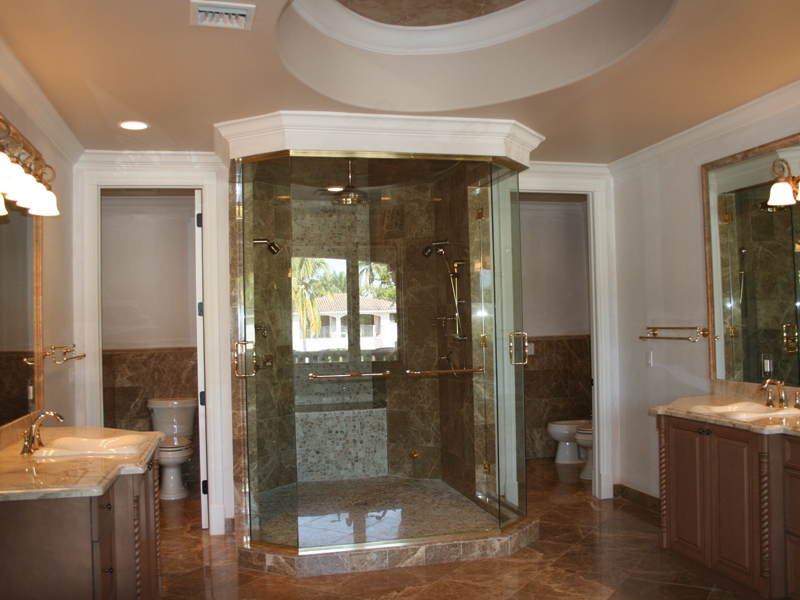Spanish House Plan Master Bathroom Photo 01 106S-0065