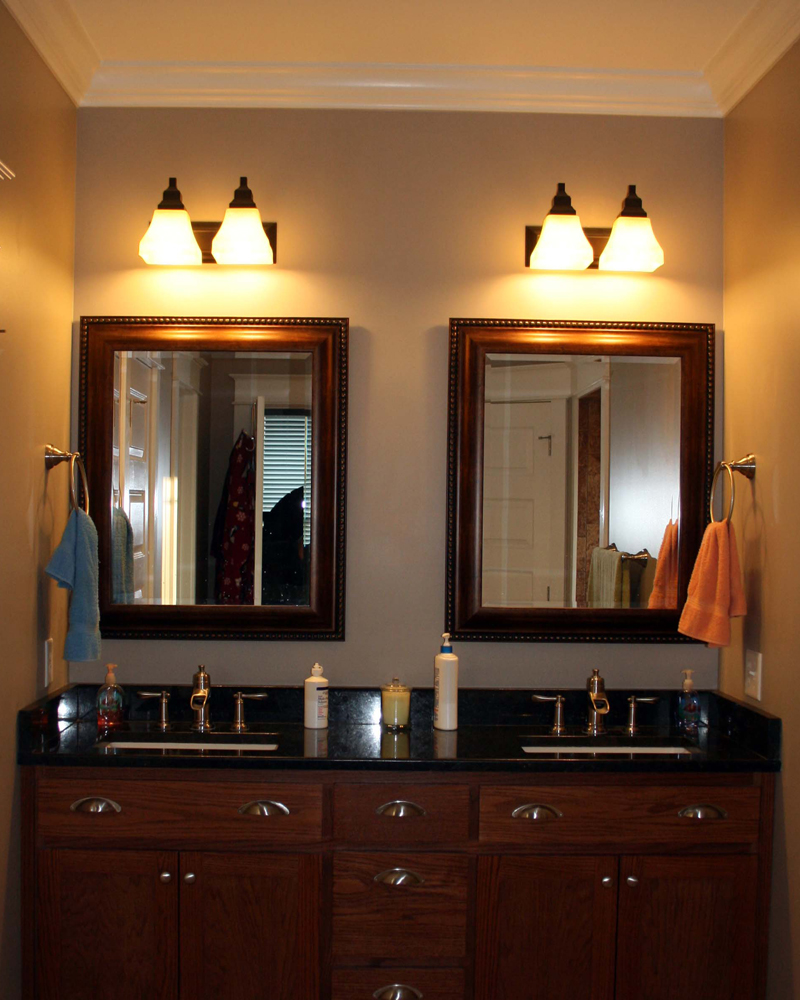 Traditional House Plan Master Bathroom Photo 01 111D-0018