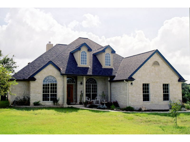 Traditional House Plan Front of Home 111D-0019