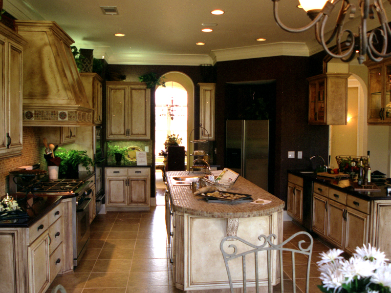 English Tudor House Plan Kitchen Photo 02 111D-0031