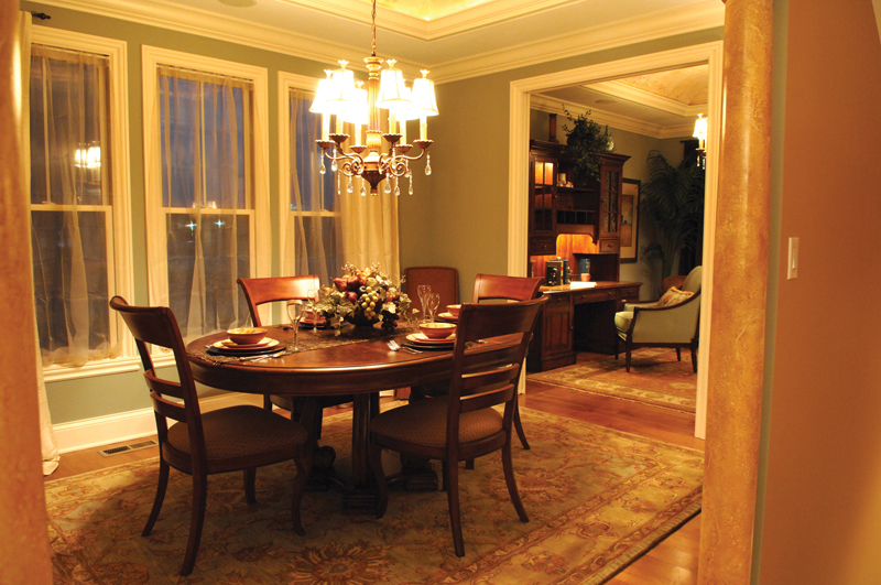 European House Plan Dining Room Photo 01 119D-0003