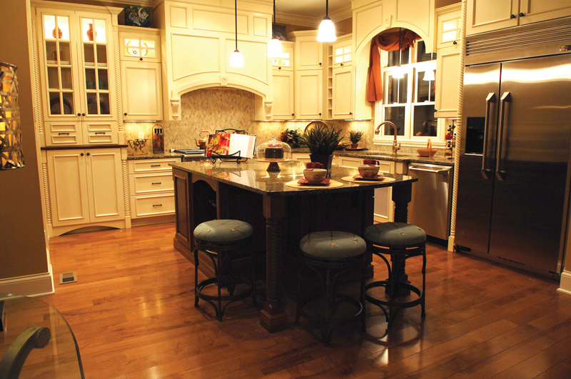 Neoclassical Home Plan Kitchen Photo 01 119D-0003