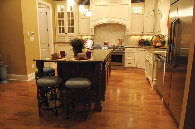 European House Plan Kitchen Photo 02 119D-0003