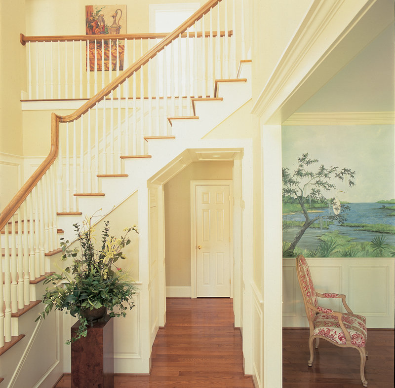 Colonial Floor Plan Stairs Photo 01 128D-0001
