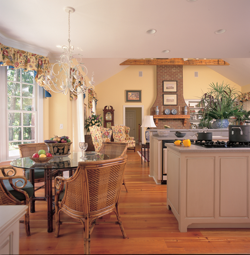Traditional House Plan Kitchen Photo 01 128D-0003