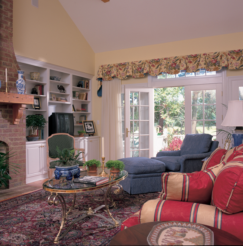 Country House Plan Living Room Photo 01 128D-0003